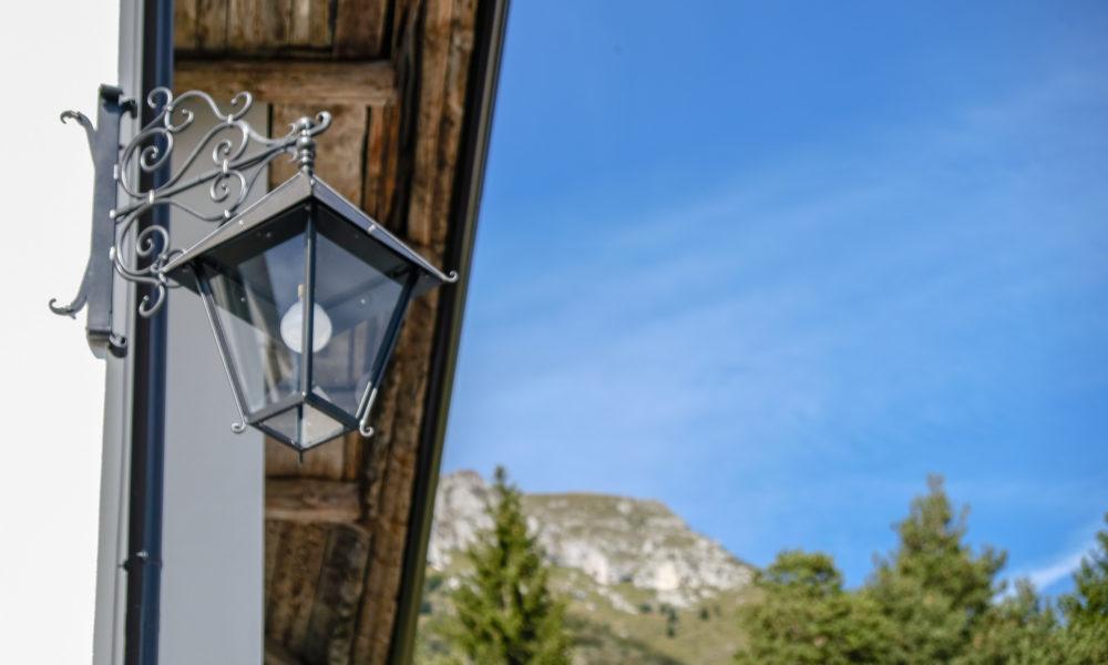 La lanterna e i monti
